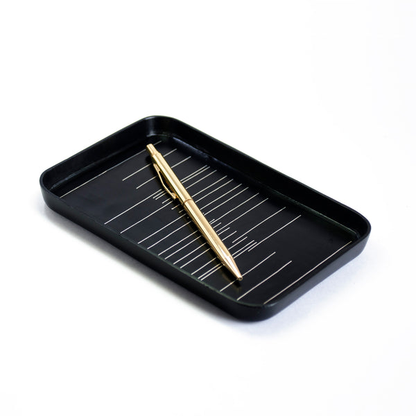 Perpendicular Tray