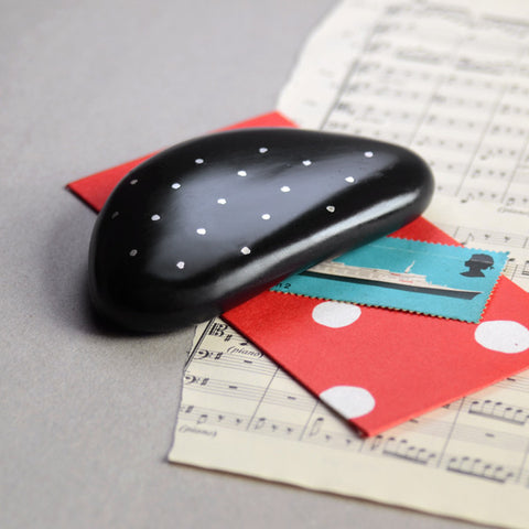 Pebble Paperweight (Dots)