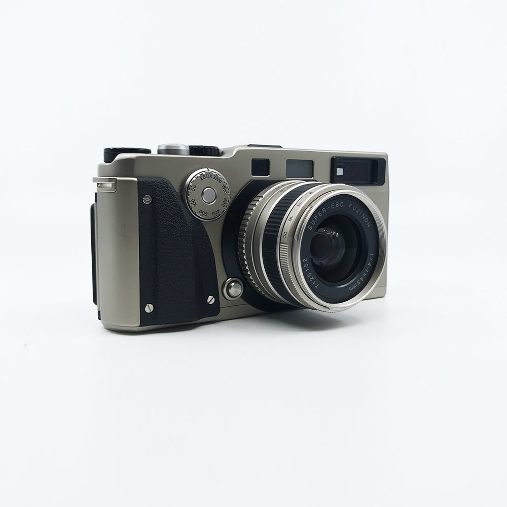 Fujifilm TX-1 with 45mm with box Mint condition
