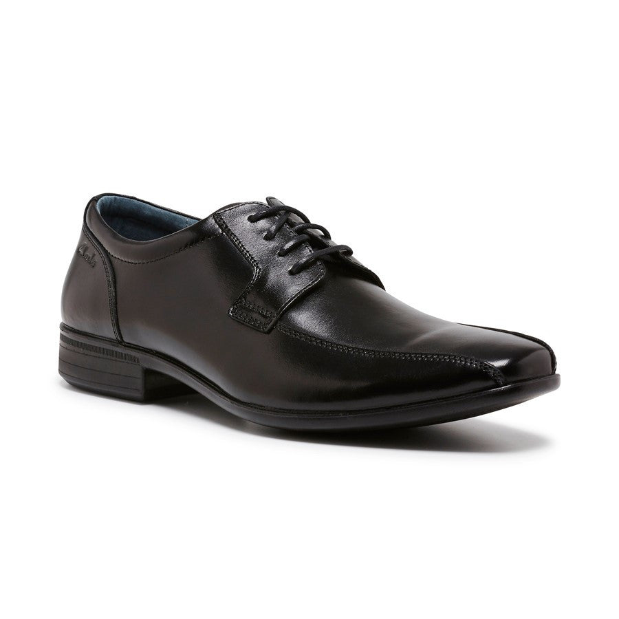 Clarks Camden is a Boys lace-up school shoe with a durable, flexible sole.