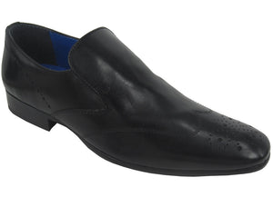 Red Tape Talla Slip-On - Black