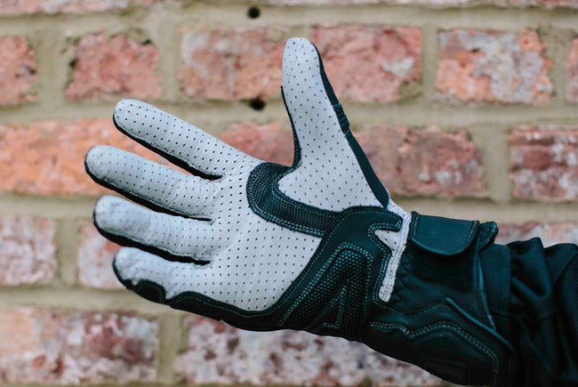 Seven Gloves for Summer