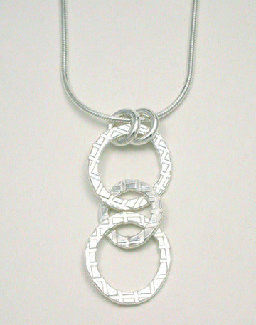 Oval Link Plaid Pendant