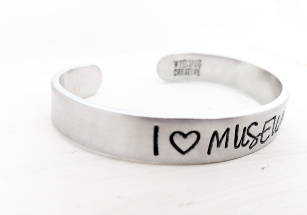 I heart Museums bracelet