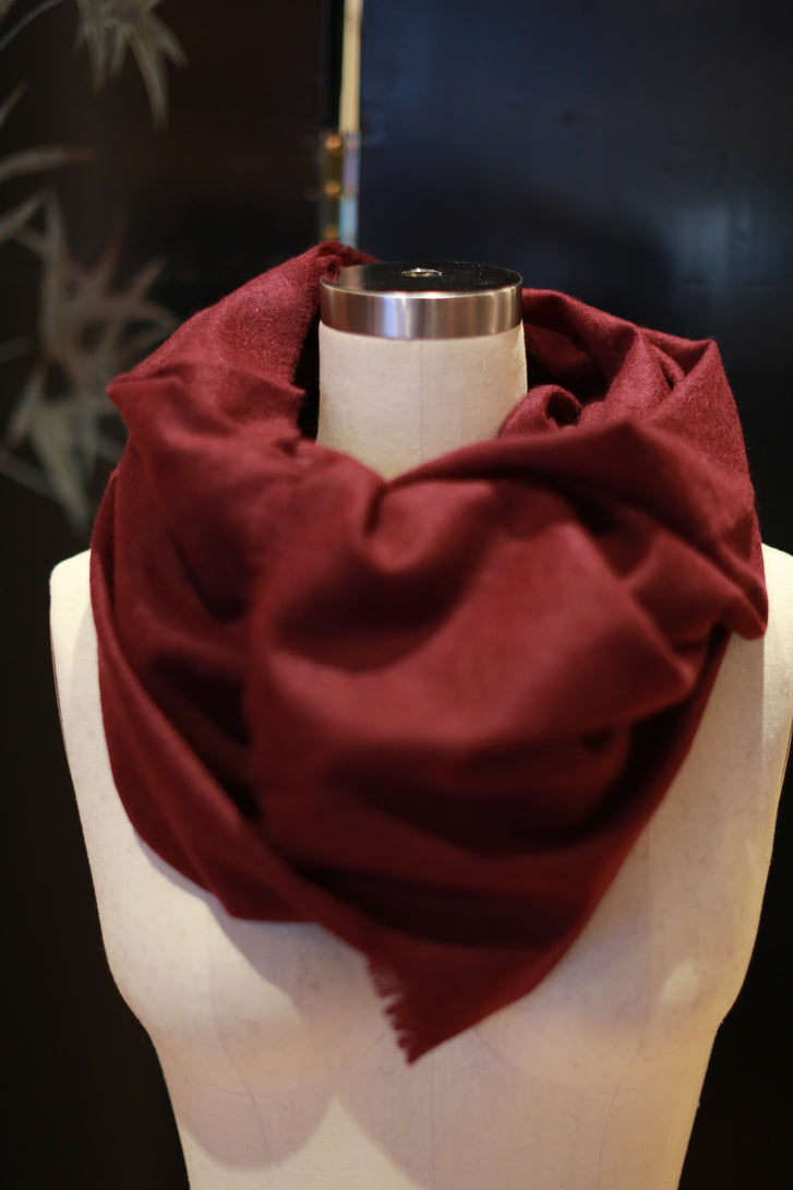 Tissue Weight Cashmere Scarf | Burgundy