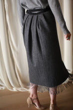 Load image into Gallery viewer, Men's Scarf Petal Skirt | Charcoal