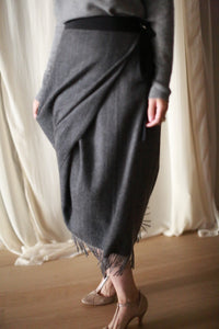 Men's Scarf Petal Skirt | Charcoal