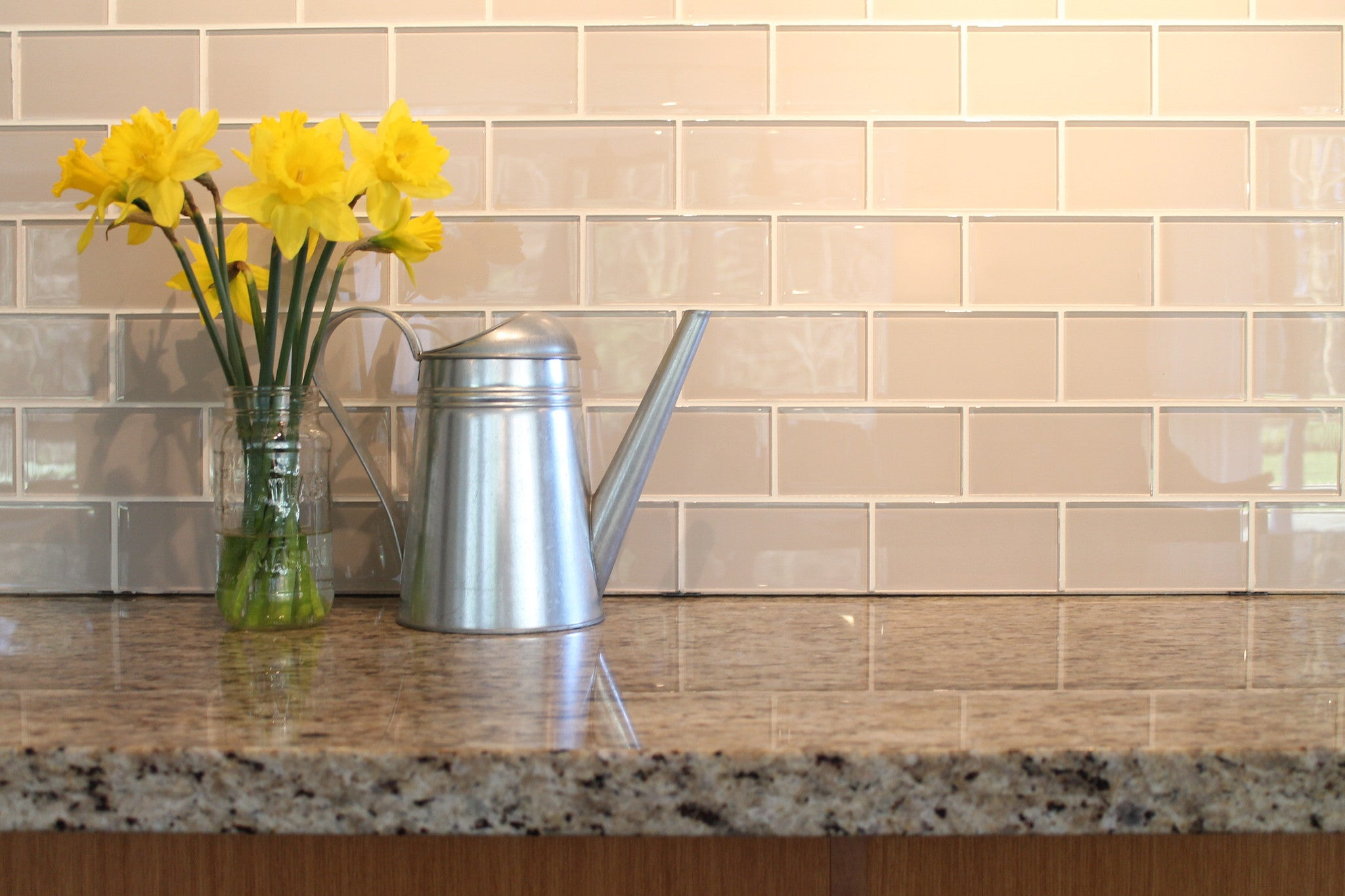 Country cottage light taupe 3x6 glass subway tiles rocky for Images of subway tile