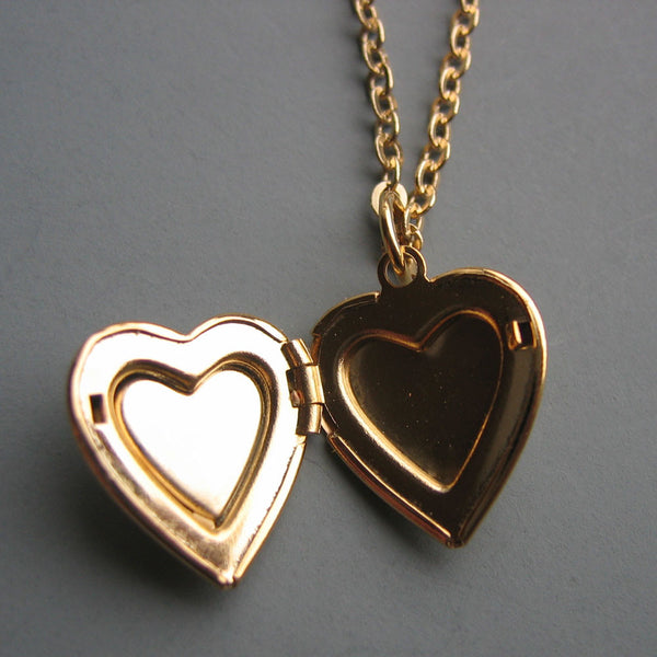 Tell Me a Secret - Vintage Enamel Heart Locket