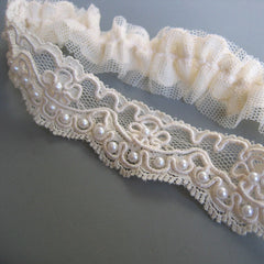 Veronique - Ivory Lace and Pearl Garter