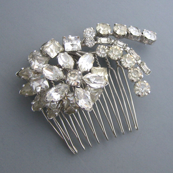 Cynthia - Bold 50s Floral Hair Comb