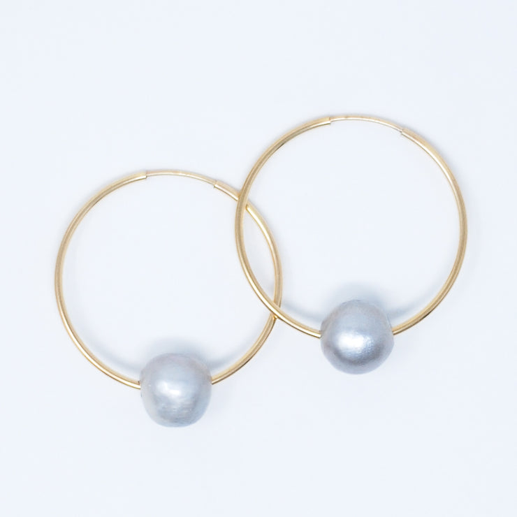 Hoops & Silver-Gray Freshwater Pearls
