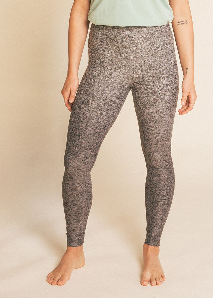 6014b0fc7b B3 x Beyond Yoga Grey Ombre High Waisted Midi Legging – barre3