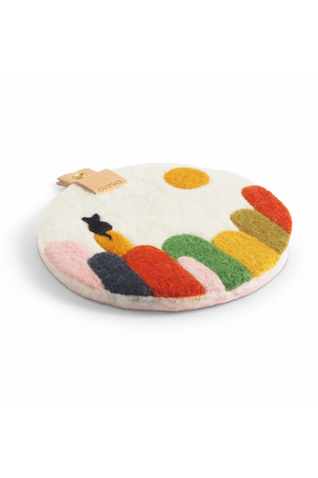 Aveva Wool Felt Cat on Kullaberg Art Trivet