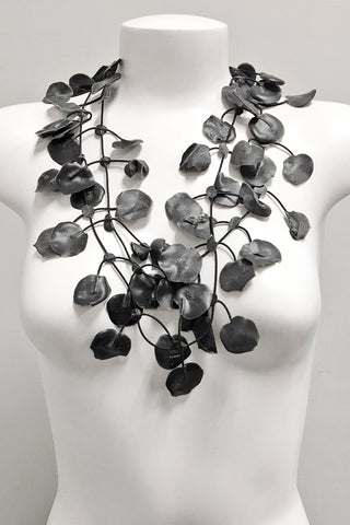 Annemieke Broenink Poppy Necklace Black