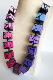 HUE + WOOD MIX PINK/BLUE NECKLACE