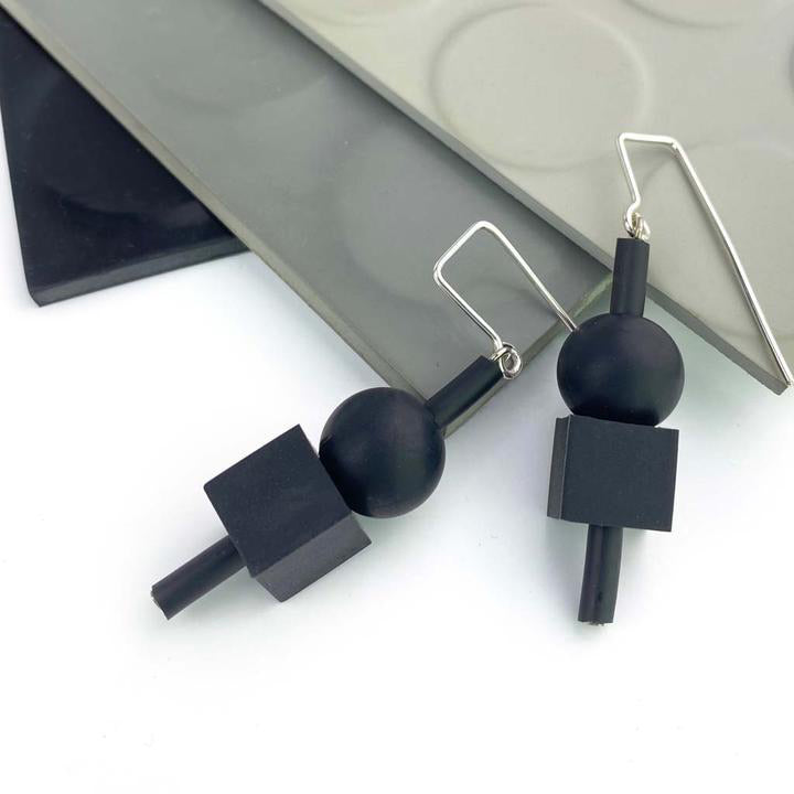 Frank Ideas Jello Earrings Black/Black