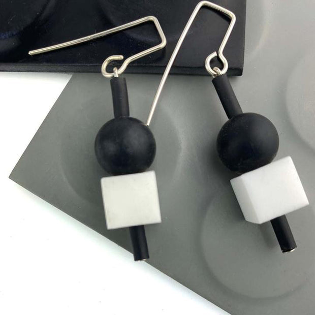 Frank Ideas Jello Earrings White/Black