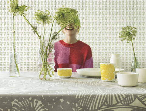 Marimekko  Pikkuruusu Wallpaper Moss Green/Cream
