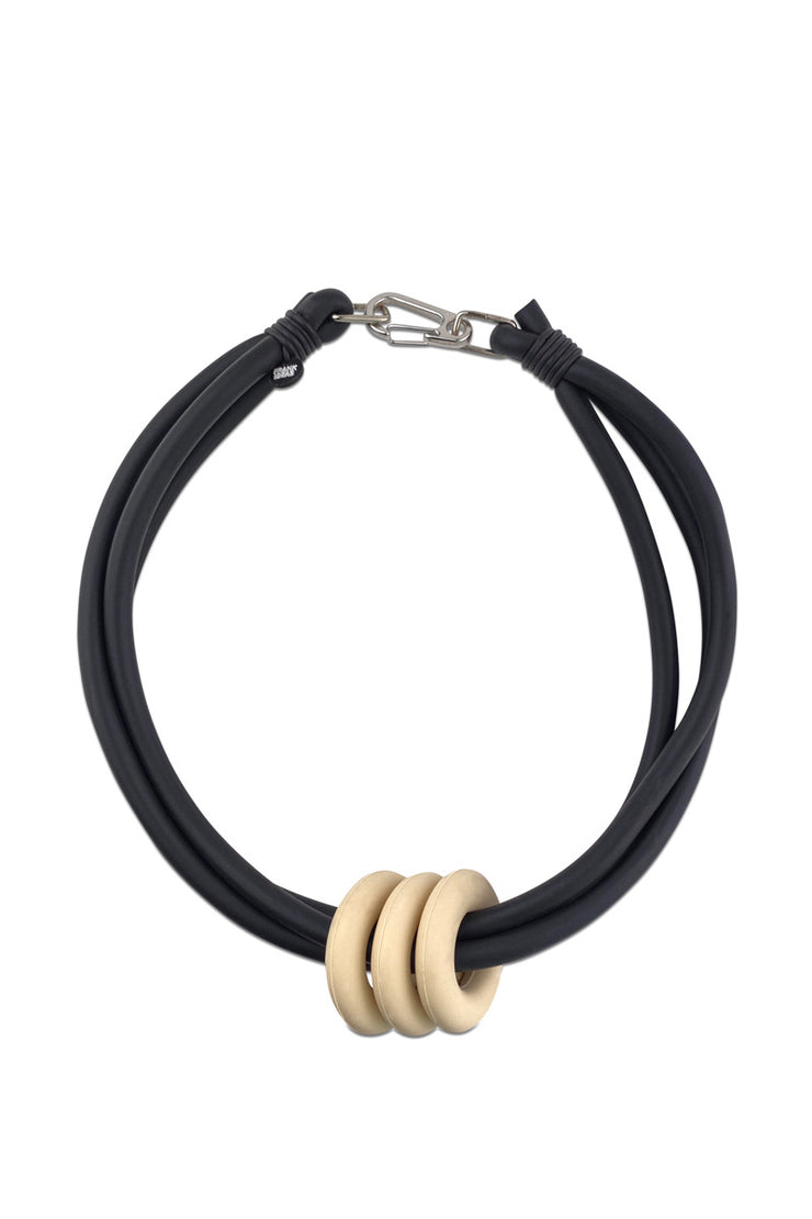 Frank Ideas Triple Ring Necklace Cream