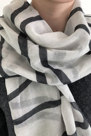 See Design Loopy Wool Scarf Black/White