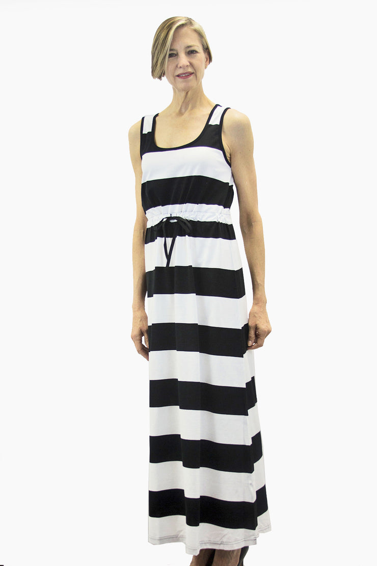 Ristomatti Ratia Maxi Stripe Helle Maxi Dress Black/White
