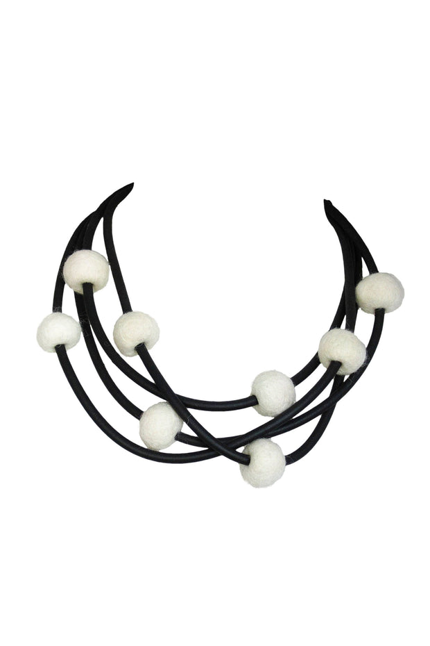 Frank Ideas 8 Felt Beads Necklace Cream