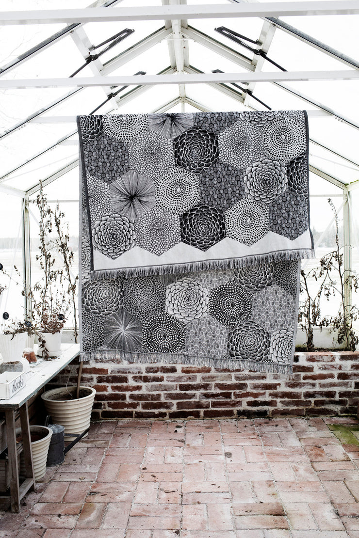 Lapuan Kankurit Ruut Tablecloth / Blanket Black