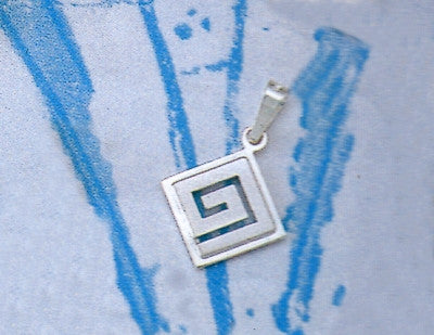 Greek Key Meander Pendant AM148