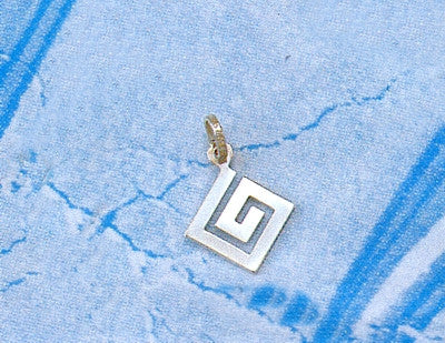 Greek Key Meander Pendant AM150
