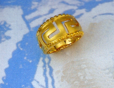 Gold Greek key band ring D97