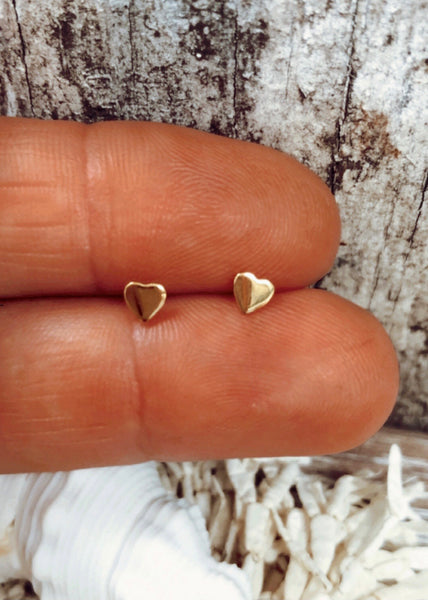 Little love studs