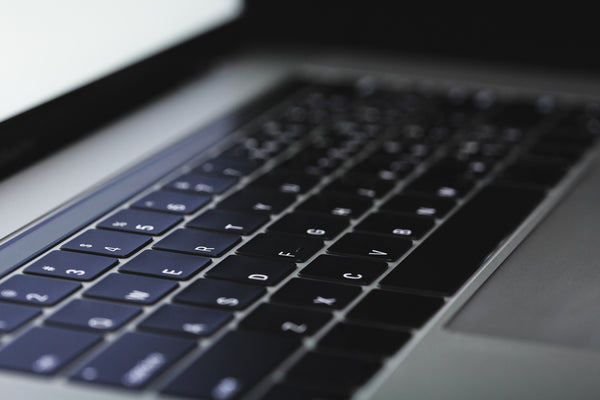 Close-up-image-of-a-new-MacBook-Pro-keyboard
