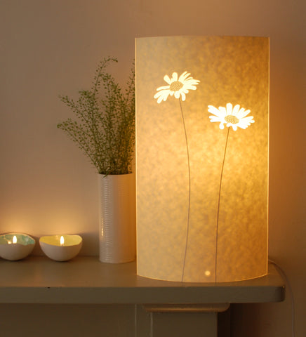 Tall Oval Daisy Lamp