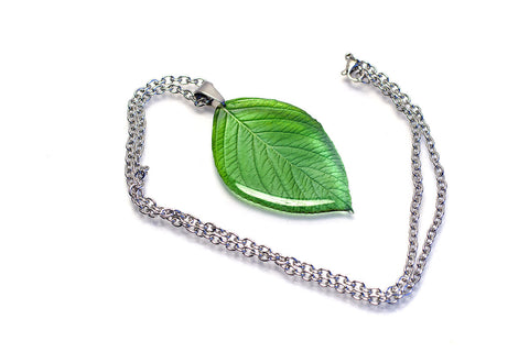Acdria Leaf Pendant Necklace