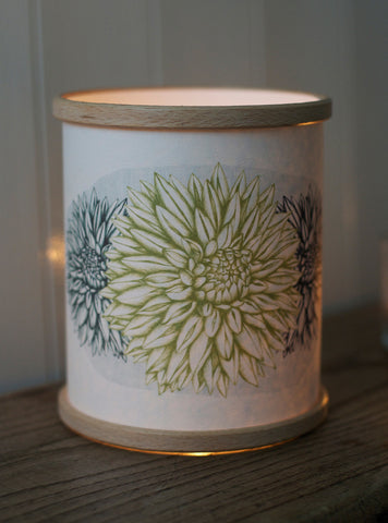 A Northern Light Dahlia Candle Cover