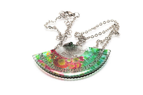 Acdria Fan Necklace