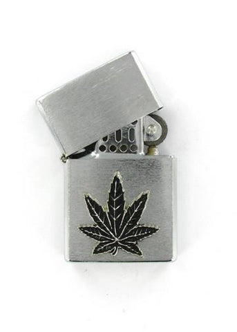 Accessories - Black Pot Leaf Emblem Chrome Lighter