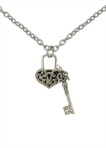Jewelry - Heart Lock & Key Necklace