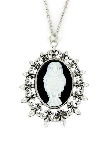 Jewelry - White Snow Owl Cameo In Fleur De Lis Pendant