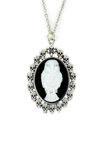Jewelry - White Snow Owl Cameo In Skull Pendant