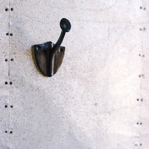 Shield Hook