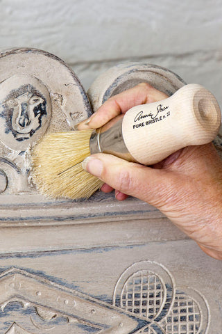 Annie Sloan Chalk Paint - WAX BRUSH