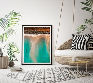 Framed abstract print with rug and palm tree styling