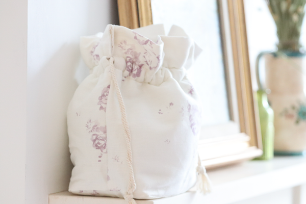 'Camille' - Vintage Lilac luxury make-up bag on Oyster Linen
