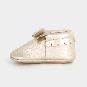 Freshly Picked Bow Moccasins - Platinum - oh baby!