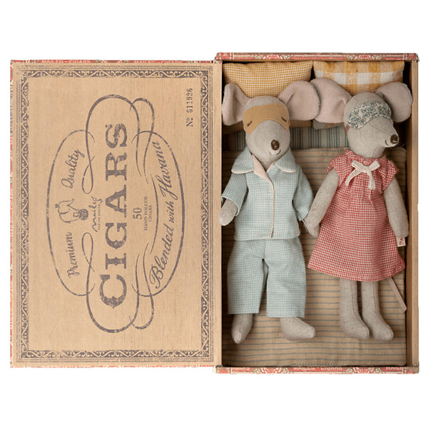 Maileg Mum & Dad Mice in Cigar Box