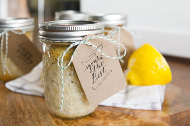 Oh-So-Very-Pretty-Lemon-Coconut-Cupcake-in-a-Jar-21