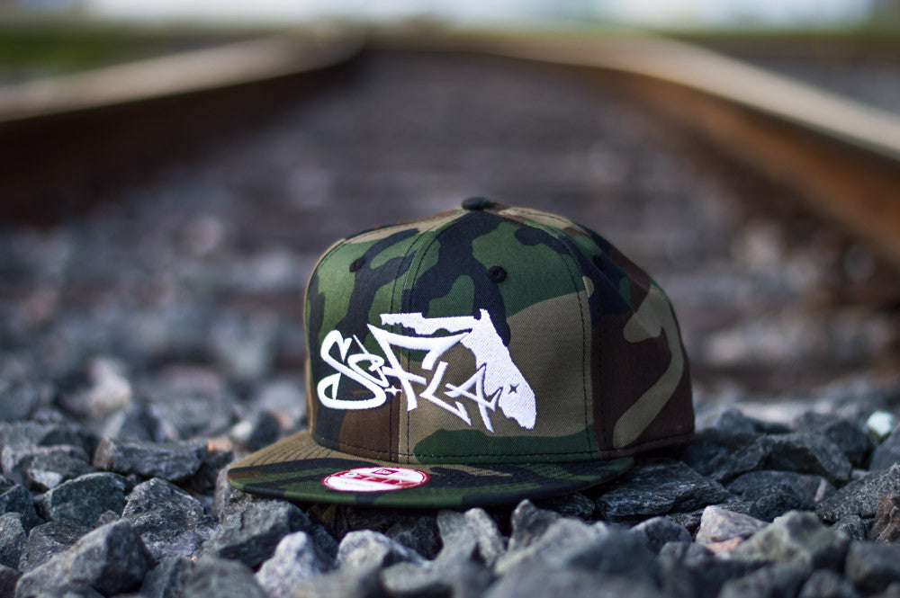 Snapback Urban Camo/ White Stiching