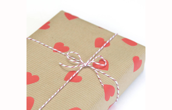 Gift wrap may look different from the picture shown